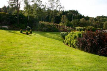 Opparbeidelse av stort hageanlegg.